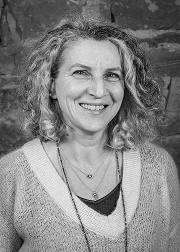 Grenzhof15 Portraet - Yasmin Skeirek